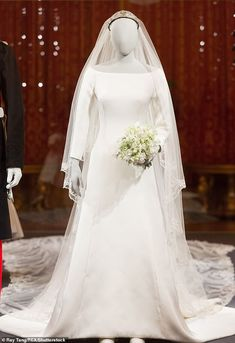 The duchess' wedding gown will form the centrepiece of the exhibition, which will also feature her exquisite veil and a diamond and platinum bandeau tiara, lent to her by The Queen Royal Wedding Outfits, Royal Wedding Gowns, Wedding Wows, Royal Weddings, Wedding Dress Styles, Dream Wedding Dresses, Megan Markle Wedding Dress, Wedding Dress Display, Harry And Meghan Wedding