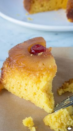 Use A Crock-Pot To Make Moist And Delicious Pineapple Upside-Down Cake Slow Cooker Recipes, Gourmet Recipes, Crockpot Recipes, Cake Recipes, Dessert Recipes, Cooking Recipes, Crock Pot Desserts, Crock Pot Cooking, Just Desserts