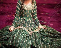 Indian Wedding Gowns, Pakistani Wedding Outfits, Pakistani Bridal Dresses, Pakistani Wedding Dresses, Pakistani Dress Design, Mehendi Outfits, Pakistani Couture, Punjabi Wedding, Shadi Dresses