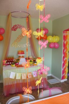 Butterfly Themed Party - I really REALLY like the brighter colors in this butterfly theme. Butterfly Party Decorations, Birthday Room Decorations, Butterfly Birthday Party, Butterfly Baby Shower, Birthday Centerpieces, 2nd Birthday Parties, Birthday Ideas, Diy Butterfly, Wedding Centerpieces