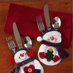 Santa Snowman Christmas Silverware Holder Pocket Holiday Party Decor New Christmas Bags, Christmas Items, Felt Christmas, Christmas Snowman, Christmas Projects, Christmas Home, Christmas Stockings, Christmas Holidays, Christmas Ornaments