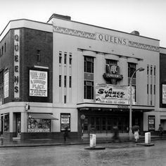 First opened as a cinema in the the Queens building in Westbourne Grove is an art deco masterpiece that's recently been restored to its former glory. This photo was taken in Beautiful Examples Of Art Deco In London Candid Photography, Street Photography, Cinema Theatre, Arts Theatre, London History, Local History, Examples Of Art, Sand Crafts, Old Street