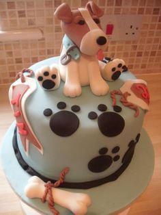 torta con figura perros - Buscar con Google                                                                                                                                                      Más Fondant Dog, Fondant Cakes, Cupcake Cakes, Puppy Birthday Cakes, My Birthday Cake, Dog Cake Topper, Cake Toppers, Vet Cake, Bolo Sofia