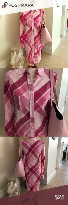 Moda International Linen Shirt dress Cute 100% Linen shirt dress by Moda International machine wash.  So cute and ideal for Spring and Summer. No stains only worn 1 time. Moda International Dresses Midi