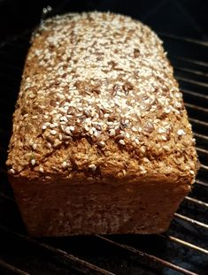 lavkarbomedhanne - Lchf mat uten sukker, gluten eller raske karbohydrater Lchf, Keto, Low Carb Bread, Recipies, Food And Drink, Healthy, Mad, Recipes, Banting Bread