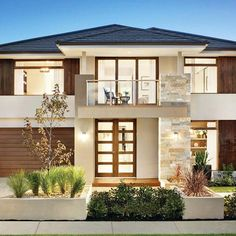 FACADE FRIDAY Up close and personal with our Houston facade standing proud on our Vaucluse at Somerfield Estate in Keysborough.Dream house build in Joburg Classic House Exterior, Dream House Exterior, House Front Design, Modern House Design, Carlisle Homes, Luxury Homes Dream Houses, Facade House, House Facades, House Layouts