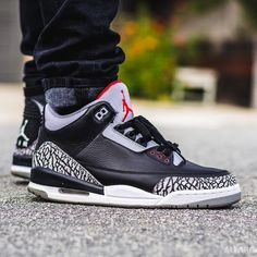 c2596ba231be 37 meilleures images du tableau Jordan 3 black cement