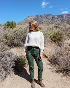 DIY pants and Blundstone boots Casual Outfits, Cute Outfits, Boot Outfits, First Day Of Autumn, Blundstone Boots, Girl Fashion, Fashion Looks, Dress With Boots, Fashion Stylist