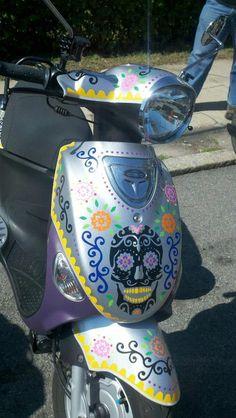 Decal Decor - A sugar skull Genuine Scooters #Buddy.