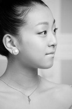 Mao Asada / 浅田真央 : #FigureSkater #Japan : #FigureSkating #MaoAsada #GoMao #MaoFight Pretty People, Beautiful People, Women Figure, Ladies Figure, Japanese Figure Skater, Figure Skating, Amazing Women, Eye Candy, Natural Hair Styles