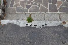 du street art original par l artiste oakoak 17 07 2014 par admin art . Urban Street Art, Best Street Art, Urban Art, Street Work, Oak Street, Art Français, Art Mural, Street Art Utopia, Street Art Graffiti