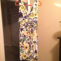 NwT! Ralph Lauren Beautiful spring floral sz 16 Ralph Lauren yellow green and blue spring floral dress with beautiful ruffle skirt and flattering silhouette. Perfect for the office or date night! New with tags!! Ralph Lauren Dresses