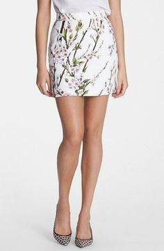 Such a pretty floral skirt for summer