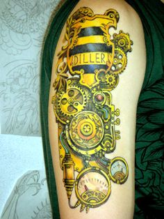steampunk tattoo by amy black. one of the coolest things i have ever seen.