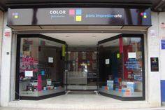 Escaparate de pasillo, tienda Colorplus