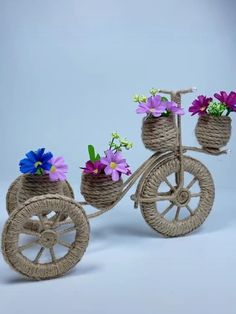 Diy Crafts For Home Decor, Diy Crafts Hacks, Diy Crafts For Gifts, Craft Stick Crafts, Hobbies And Crafts, Jute Crafts, Paper Crafts, Paper Flowers Diy, Diy Flower