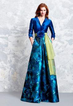Vestido de fiesta Pepe Botella colección 2017 Modelo 1143 en Eva Novias Madrid.  Vestido de fiesta de Lucia Botella colección 2017 Modelo 1142 en Eva Novias Madrid.  #dress #vestido #fiesta #moda #fashion #ceremonia #gala #tendencia #coleccion #2017 #redcarpet