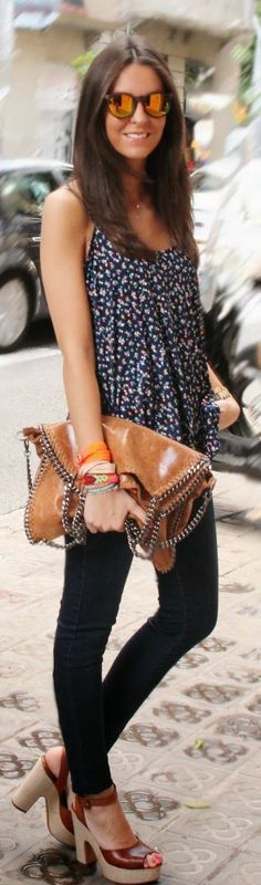 Chic Barcelona Camel Leather Chained Edges Purse