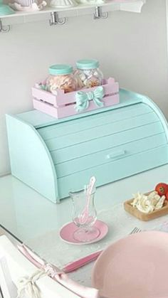 [New] The 10 Best Fashion Today (with Pictures) Vintage Shabby Chic, Shabby Chic Style, Vintage Decor, Pastel Room, Pastel House, Cocina Shabby Chic, Shabby Chic Kitchen, Decoration Shabby, Decoration Table