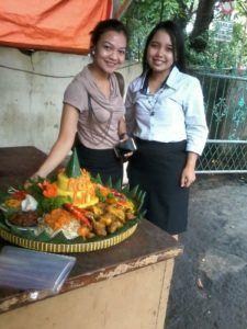 Catering tumpeng 085692092435: Pesan nasi tumpeng Di Jatinegara