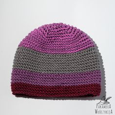Czapka ręcznie robiona na drutach w kolorach wrzosu, wiśni i szarości. Handmade, merino + microfibra.  http://pakamera.wix.com/pakamera-wloczykija#!wrzosy-nad-losensjon/ci1y
