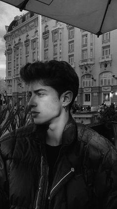 Look at manu's jawline manu rios в 2019 г. Portrait Photography Men, Photography Poses For Men, Cute Teenage Boys, Bad Boys, Beautiful Boys, Pretty Boys, Manu Rios, Bad Boy Aesthetic, Cute White Boys