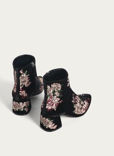 Ankle boots - Footwear - Uterqüe Spain