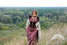 """Кожаный средневековый корсет """"Лучница"""". Доступные материалы и цвета: синяя натуральная замша, коричневая натуральная замша, черная натуральная замша, зеленая натуральная замша :: Студия средневекового дизайна «Берканар»"""