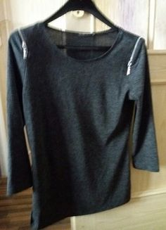 Sweatshirts, Tees, Sweaters, Fashion, T Shirts, Moda, Tee Shirts, La Mode, Pullover