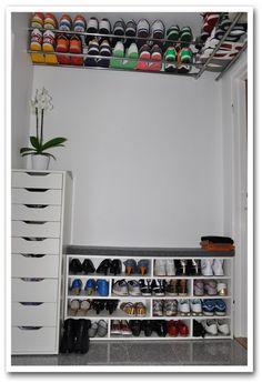 Dé oplossing voor al die schoenen: het plafond!