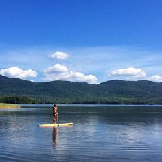 I'm baaaack (again)! Spent an awesome weekend in Vermont for the wedding of two good friends (which my #tiuhusband officiated! ). There was lots of fun to be had including reuniting with good pals from Mass & #paddleboarding on the lovely serene lake with beautiful views! #goodbyesummer! # #tiu #tiuteam #tiucolorado #toneitup #vermont by tiu.jacq03