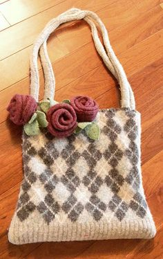 In Quincy, IL, there is a primitives and craft shop called Ohio Street Originals located at and Ohio. And each December during the firs. Handmade Handbags, Handmade Bags, Christmas Open House, How To Make Purses, Felt Purse, Recycled Sweaters, Crochet Purses, Knitted Bags, Wool Felt