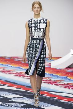 Peter Pilotto Spring 2013 Ready-to-Wear Fashion Show - Michon Van As