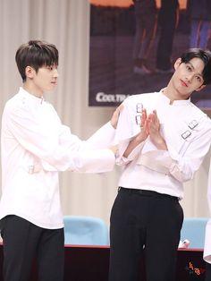 Wonwoo and Jun//Seventeen Carat Seventeen, Seventeen The8, Choi Hansol, Won Woo, Joshua Hong, Kpop Couples, Pledis 17, Heechul, Hoshi