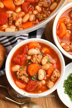 Italian sausage, white beans, veggies, and spices are used to create this Italian Bean Soup. It's quick to make and super filling! #spendwithpennies #italianbeansoup #recipe #maindish #soup #italianwhitebeansoup Ham And Beans, Ham And Bean Soup, White Bean Soup, White Beans, Italian Bean Soup, Italian Beans, Bean Soup Recipes, Healthy Soup Recipes, Fun Easy Recipes