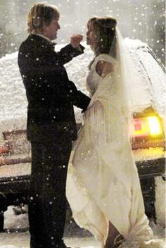 pic I never read the book, Marley and Me. So I'm not too sure how this stranded in the snow on the way to the wedding scene fits in, but it sure is pretty! Owen Wilson and Jennifer Aniston shoot more snowy scenes for Marley and Me in Penn. Snow Wedding, Wedding Scene, Dream Wedding, Iconic Movies, Great Movies, Jennifer Aniston, Brad And Jen, Marley And Me, Wedding Movies