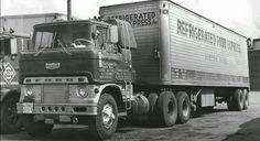#AmericanTruck #FoodRefrigeration   #truckandtrailer #reefertrailer #SemiTrucks #HistoricalTrucks #NationalAntiqueTruck #cabovertrucks #AmericanTruck #madeinUSA #collectiontrucks