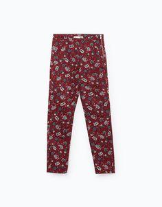 PANTALÓN JEGGING CREMALLERA por sólo 12.99 en Lefties. Entra ahora y descubre nuestra colección de Pantalones