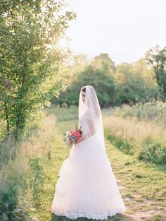 Ashley Veil from All About Romance #veil #weddingveil #jppworkshops Image by Julie Paisley Photography