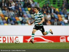 Matias Fernandez - Chilean international who graced Sporting Clube de Portugal with his class Personal Qualities, Best Club, Muscle, Running, Sports, Legends, Hs Football, Racing, Physical Exercise