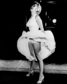 glossy photo of Marilyn Monroe. This promotional photo was done for the movie & Seven Year Itch& in Marilyn Monroe Glossy Photo. Marilyn Monroe Poster, Marilyn Monroe Movies, Rare Marilyn Monroe, Marilyn Monroe Photos, Poster Pictures, Pictures Images, Film Seven, Marilyn Moroe, Ann Margret