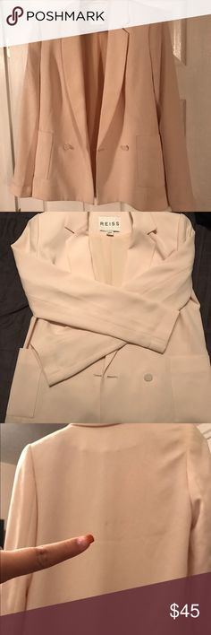 Creme blazer with pockets As pictured small stain that can easily be dry cleaned worn once good condition otherwise XS but fits like a MEDIUM. Reiss Jackets & Coats Blazers