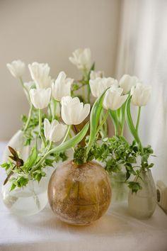 Karin & William (Garten der Geheimnisse) – SarahKatharina Glass Vase, Home Decor, Homemade Home Decor, Interior Design, Home Interiors, Decoration Home, Home Decoration, Home Improvement