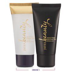 Mattifying Primer a velvety soft primer that absorbs oils reducing shine and makeup Primera silky hydrating primer that prepares the skin for makeup application #Makeup #BeautyBloggers #Primer #Blogeras de belleza