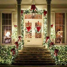 26 Best Christmas Porch Decoration Ideas That Can Help In Making Your Front Porch Looks Good – Outdoor Christmas Lights House Decorations Christmas Front Doors, Exterior Christmas Lights, Christmas Lights Outside, Christmas House Lights, Houses Decorated For Christmas, Christmas Staircase, Theme Noel, Outdoor Christmas Decorations, Christmas Porch Ideas