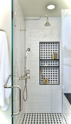Incredible Black and White Bathroom Design Ideas