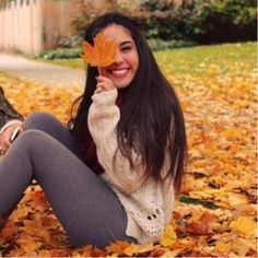 Name: Amanda Gomez Age: 19 Year: Freshman