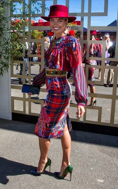 Ashley Hart at the Melbourne Cup, 2015 Race Day Fashion, Races Fashion, Fashion Mode, Fashion 2018, Modest Fashion, Fashion Trends, Race Day Outfits, Derby Outfits, Races Outfit