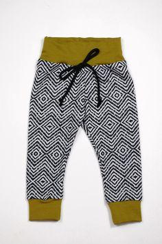 The Finn Lounge Pant Little Boy Fashion, Kids Fashion, Little Babies, Little Boys, Baby Robin, Kid Styles, Lounge Pants, Cute Outfits, Mag Pie