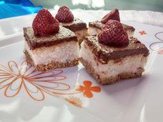 Vegalife: kókuszos szelet eperrel (nyers) Raw Desserts, Cake Cookies, Tiramisu, Cheesecake, Paleo, Veggies, Ethnic Recipes, Food, Vegetable Recipes